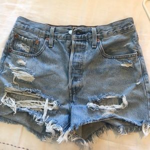 Levi distressed high wasted shorts